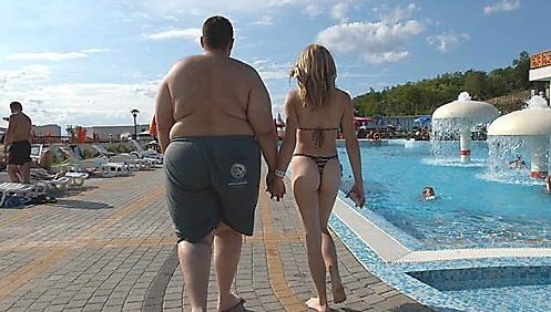 [Image: fat-guy-hot-girl.jpg]