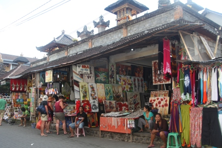 after breakfast, it was off to imbibe ubud's art - at the Art Market