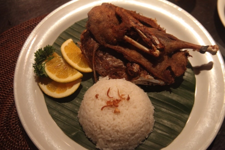being part of indonesia, everything that touches your mouth is so delicious. the famous bebek goreng (crispy fried duck) at laka leke