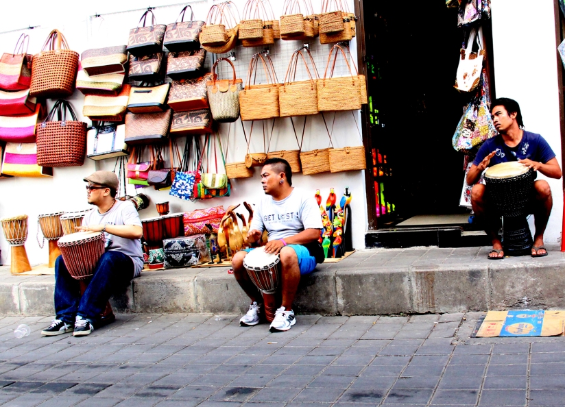 paolo decides to jam with the vendors of ethnic musical instruments