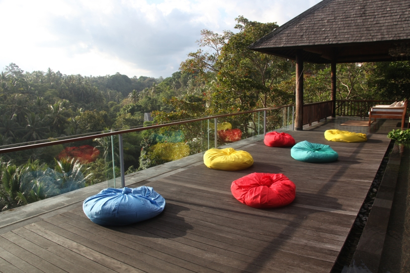 every afternoon, the villa staff would lay out bean bags for guests who want to watch the sunset (anj's photo)