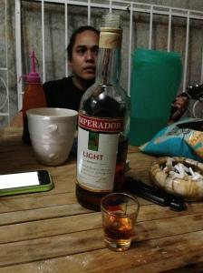 """Tumatagay para ipagdiwang ang economic """"miracle"""" o para malimutan na bukas ay gutom na naman?"""